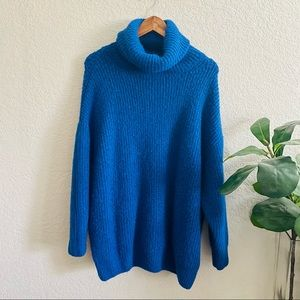 Zara Blue Turtle neck Oversized Knit Sweater Size Small
